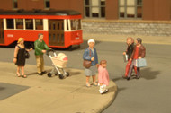 Bachmann HO Scale SceneScapes Figure Set Strolling People 6-Pack