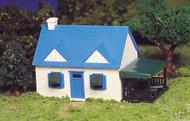 Bachmann HO Scale Plasticville Classic Building/Structure Kit - Cape Cod House