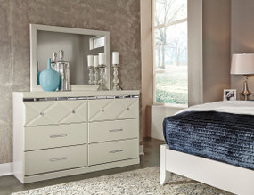 Dreamur Dresser & Mirror