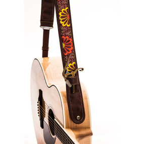 "Kyser KS2B Warm Bloom Leather Guitar Strap with ""Capo Keeper"", Brown"