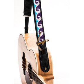 "Kyser KS3B Ocean Wave Leather Guitar Strap with ""Capo Keeper"", Black"