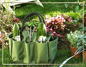Picnic At Ascot Garden Tote & Tool Set | James Anthony Collection