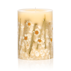 Rosy Rings Beach Daisy Round Botanical Candle | James Anthony Collection