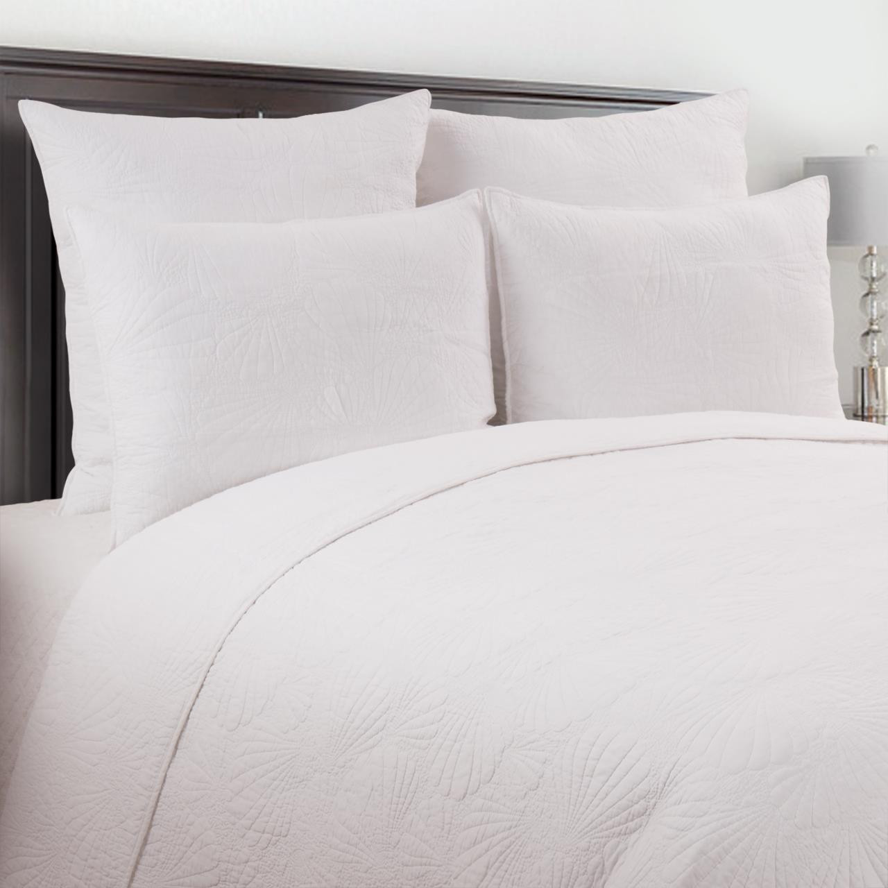 Scallop Shell White Quilt Collection -