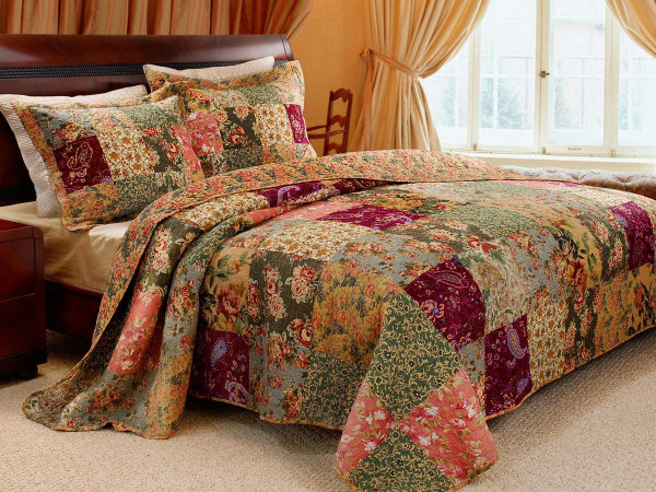 Antique Chic Quilt Collection -