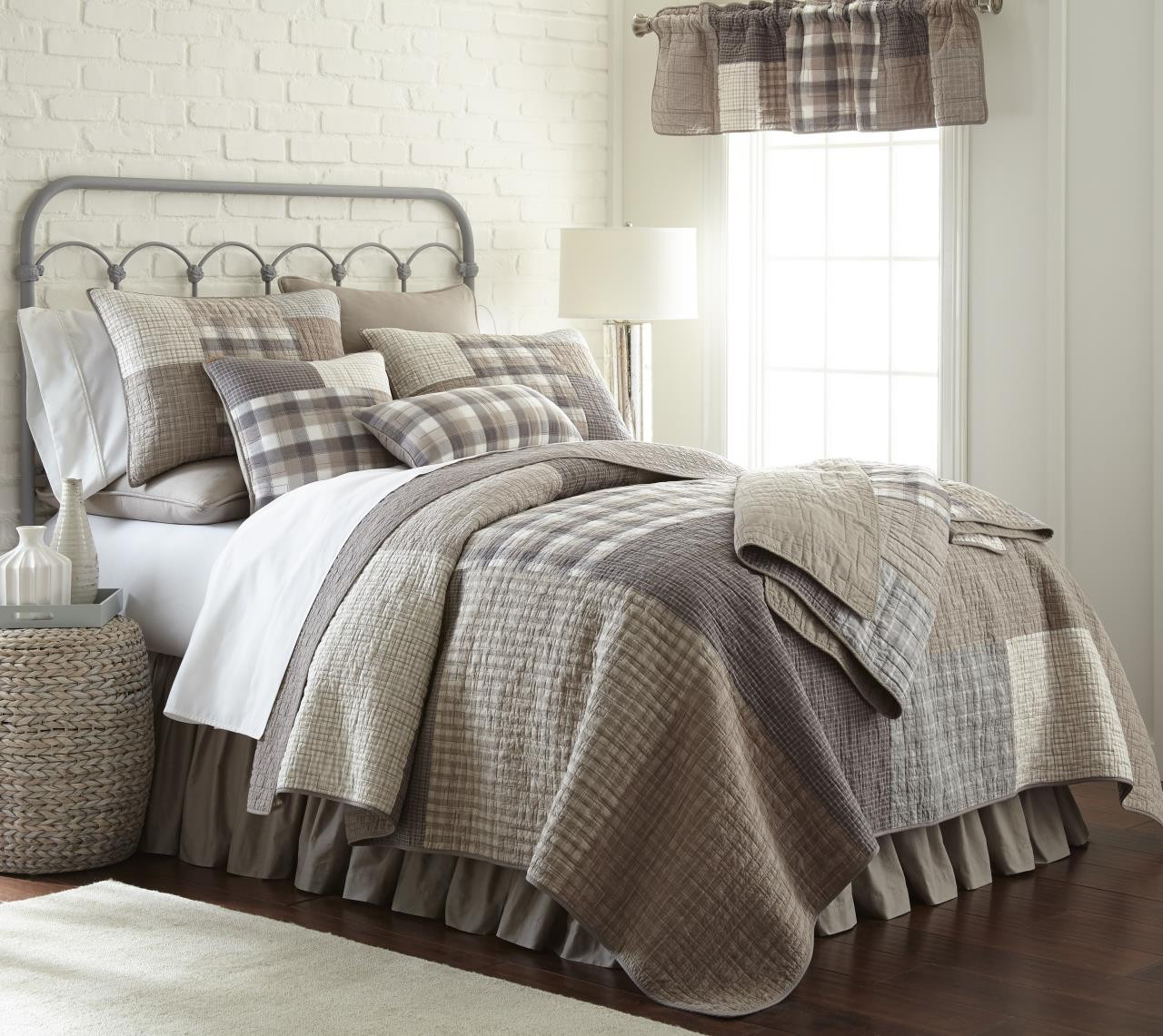 Smoky Square Quilt Collection -