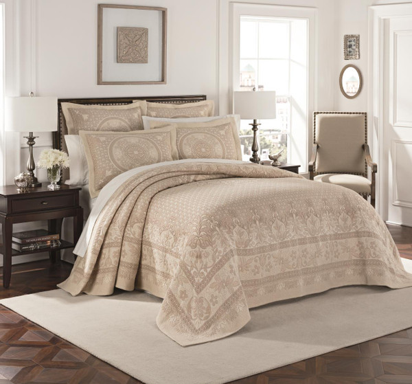 Basset Linen Matelesse Bedspread - 048975021248