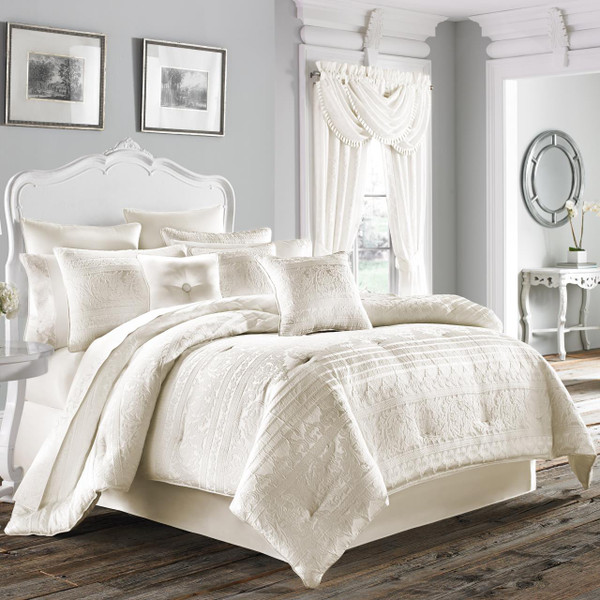 Mackay White Comforter Collection -