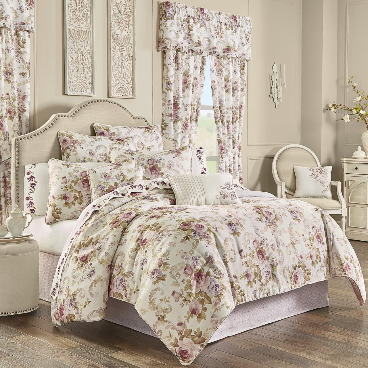 Chambord Lavender Bedding Collection -