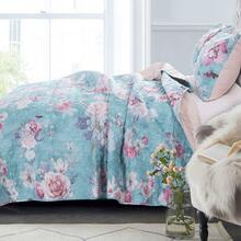 Avril Quilt Collection -