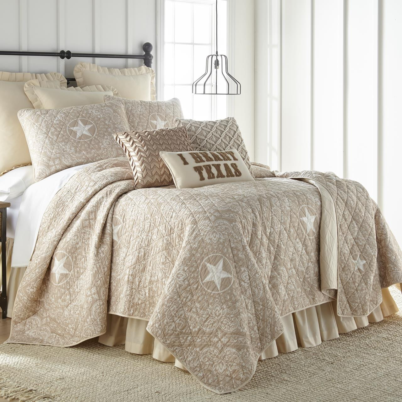 Texas Brown Bandera Quilt Collection -