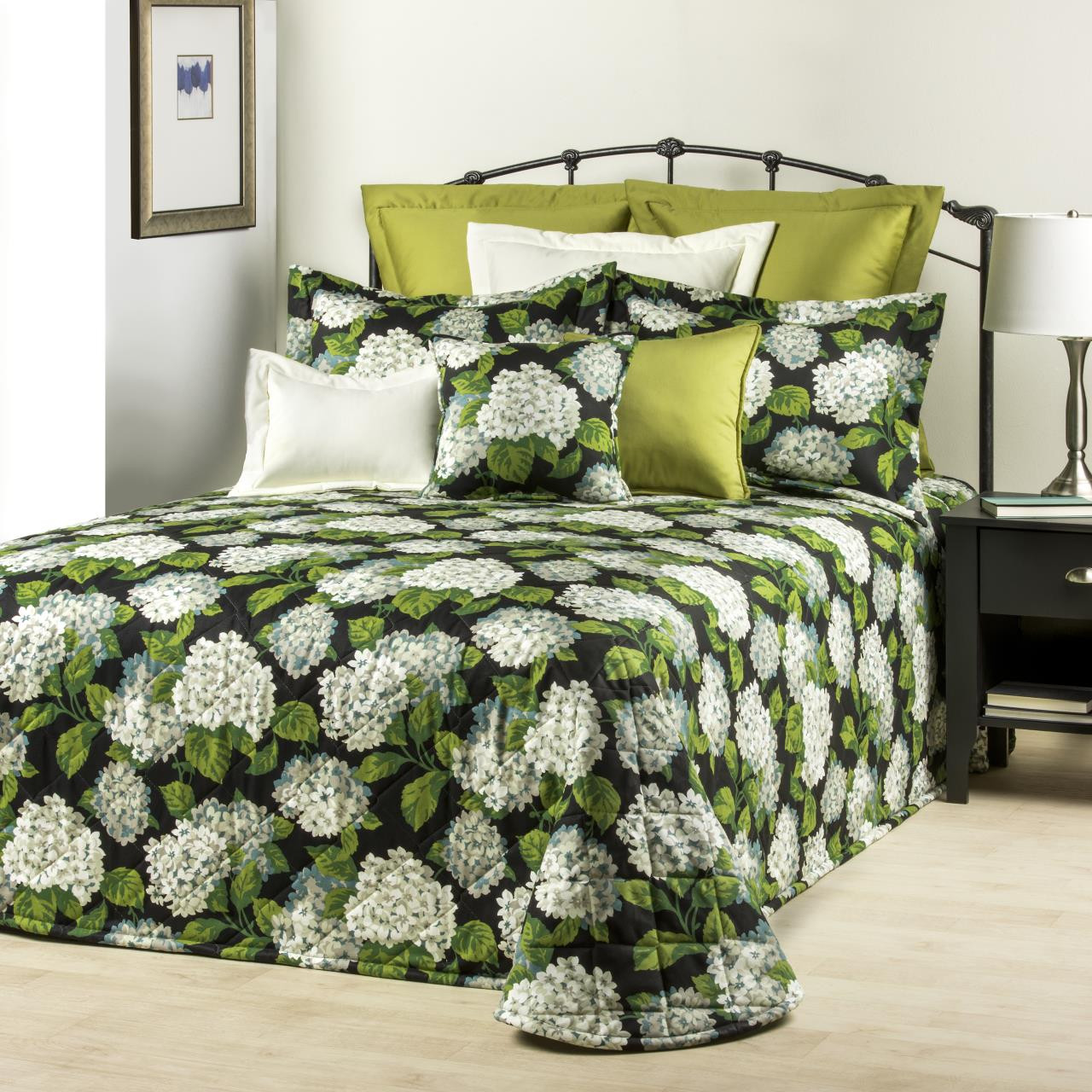 Hydrangea Onyx Bedding Collection By Thomasville Paul S Home Fashions