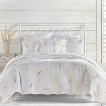 Sandra White Quilt Collection - http://images.salsif