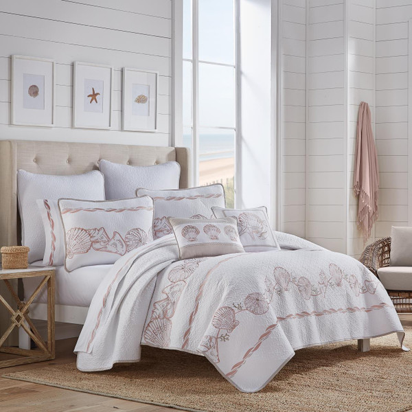 Water Front Coral Quilt Collection - http://images.salsif