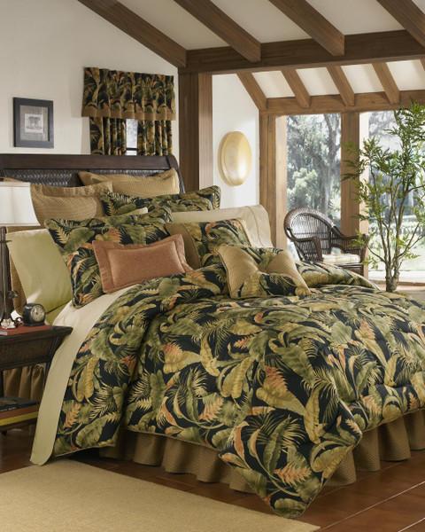 La Selva Black Bedding Collection -
