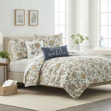 Ainsley Quilt Collection -