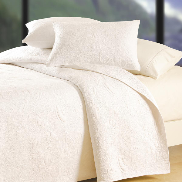 White Shell Matelasse Quilt Collection -