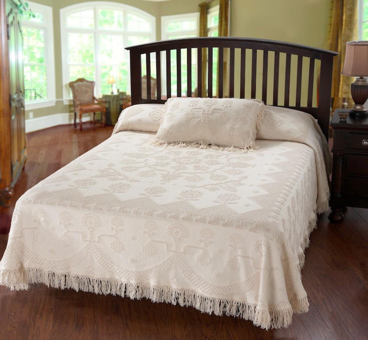 Martha Washington's Choice Bedspread - 184195000073