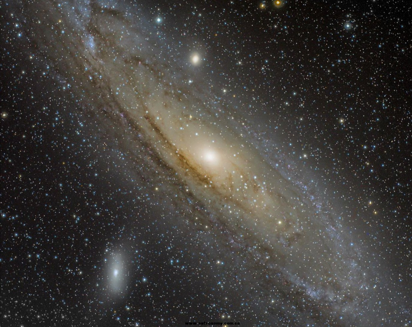 M31 Under Light Polluted Sky with Optolong L-Pro