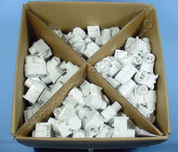 200 Leviton White High Output T8 T12 HO VHO Fluorescent Light Lampholder Sockets Plunger End 13550-W