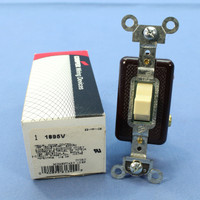 Cooper Ivory SPDT DOUBLE THROW Momentary Contact Toggle Switch 15A 1895V Boxed