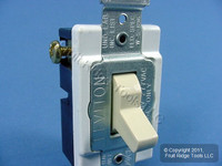 Leviton Ivory 3-Way COMMERCIAL Quiet Toggle Wall Light Switch 20A Bulk CS320-2I