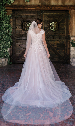 Cathedral Bridal Veil | V2087C