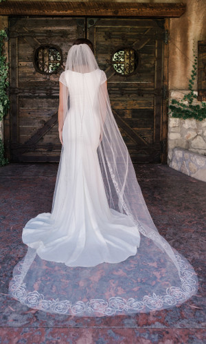 Cathedral Bridal Veil | V2096C