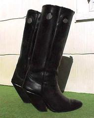 Tall Heel Shinny Black Boots