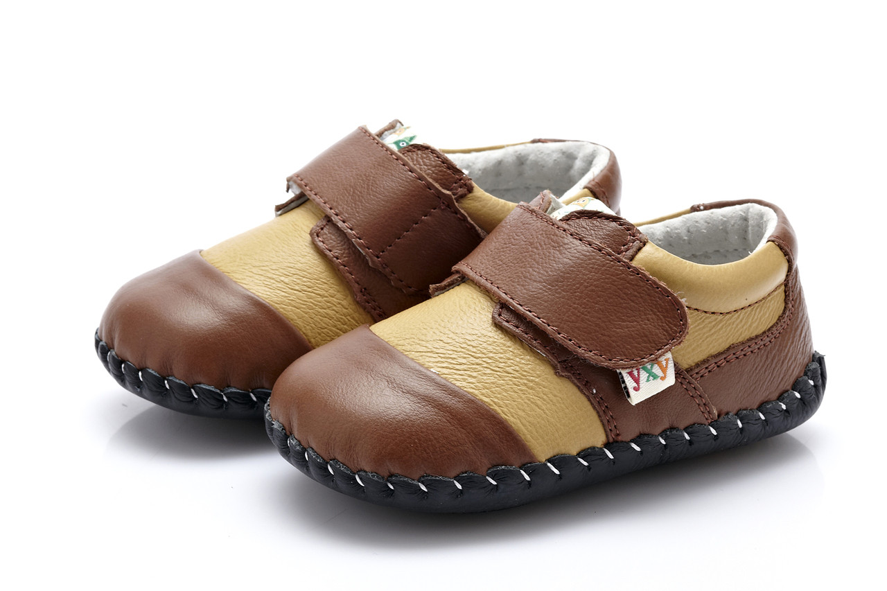 248786e539e89 Baby Boys Soft Soled Dark & Light Brown Leather Shoes - Ages 0 - 24 months.