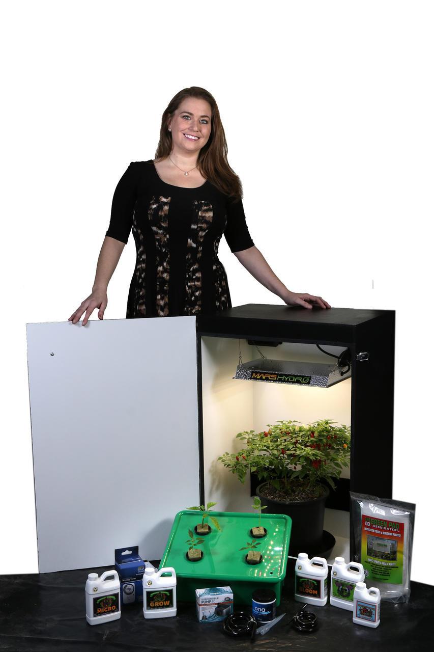 Dealzer Grandmas Secret Garden 6.0 - 4 Plant LED Grow Box
