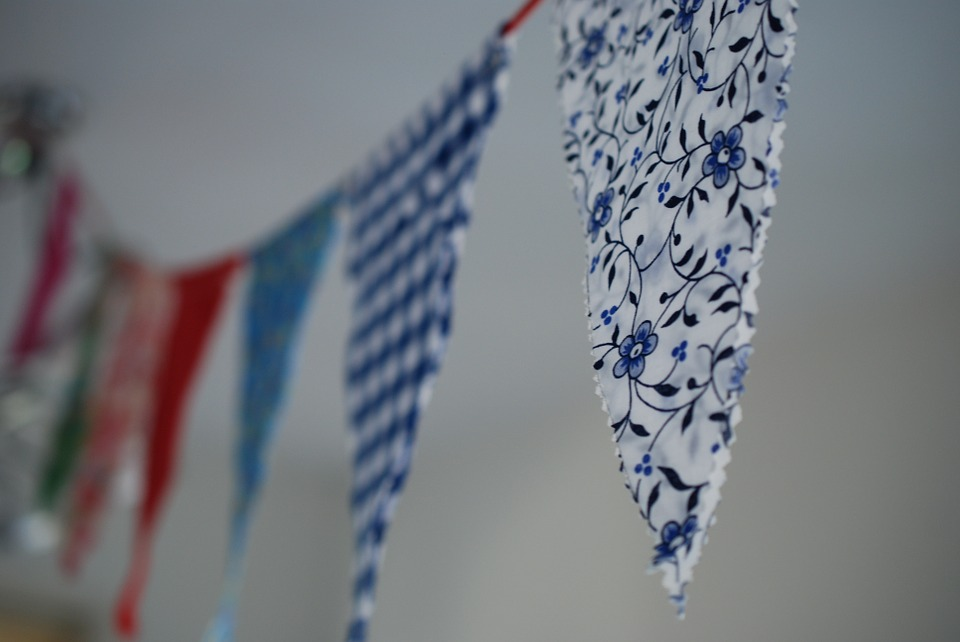 fabric streamers