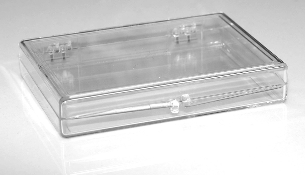 3 9 16 X 2 9 16 X 1 2 Small Plastic Box With Hinged Lid