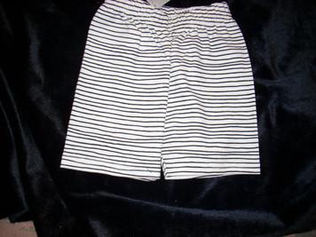 Black & White Pencil Striped Pant 6 mp