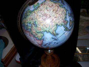 Old World Globe/Stand