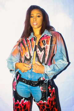 'WILD DREAMS' GRAFFITI CROPPED DENIM JACKET