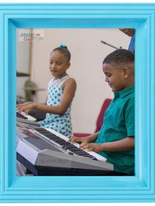 Alabanza Music Tocando El Piano 1 *Vacation* Class
