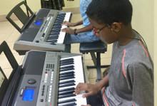 Alabanza Music Tocando El Piano 2  (Fun Review)