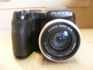 FujiFilm FinePix S Series S5600 Digital Camera 5.1 Mega Pixels/ Parts Only