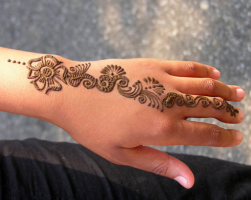 henna-hand-3.jpg