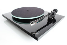 Rega Planar 2 (Record Player, Turntable)