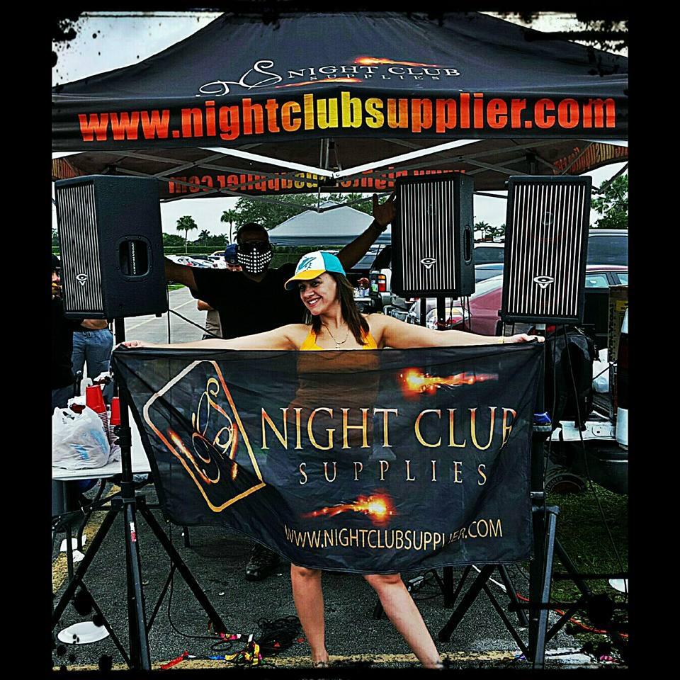 nightclub-supplies-bottle-sparklers.jpg