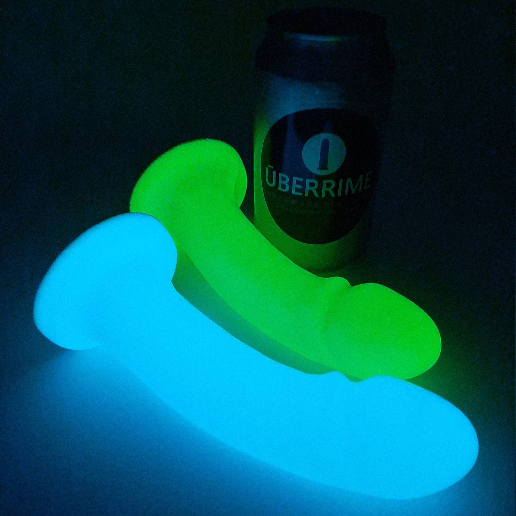 Essential G-Spot Glow-In-The-Dark Silicone Dildo - Glowing