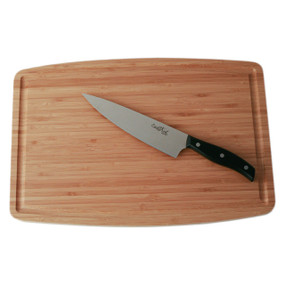 Chop with ease on bamboo cutting board.
