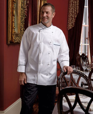 Many features to this chef coat!