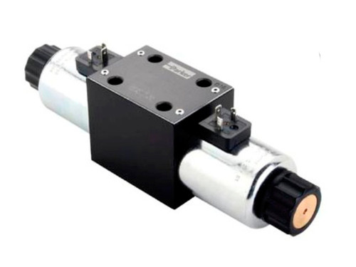Parker D3W1CNYC Directional Control Valve Double Solenoid 3 Position Spring Centered 40 GPM NFPA D05 5000 PSI