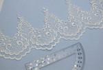 "Embroidered Organza 5"" (127mm) White Scalloped Per Yard"