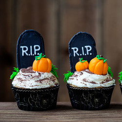 Halloween Cupcakes  10/20  6:30 pm    Richardson