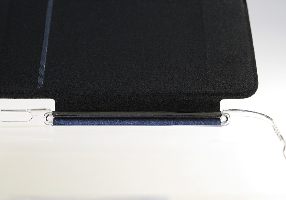 Air Jacket Flip for iPhone 6 Plus the cover is attached