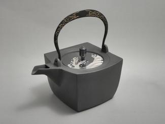 Rectangle Kotetsubin - Dragon & Wave - 500ml/cc - Small Iron Teapot Kettle